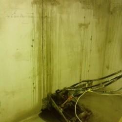 A túlvágást elkerülendő, sarokfuratok készültek betonfúrással